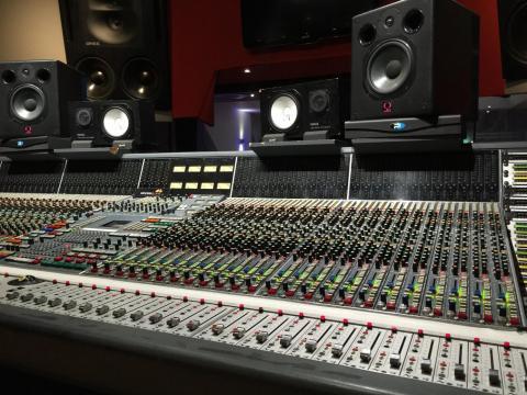 Professional Music Producer - Pop,  EDM,  Hip-Hop - Best beats