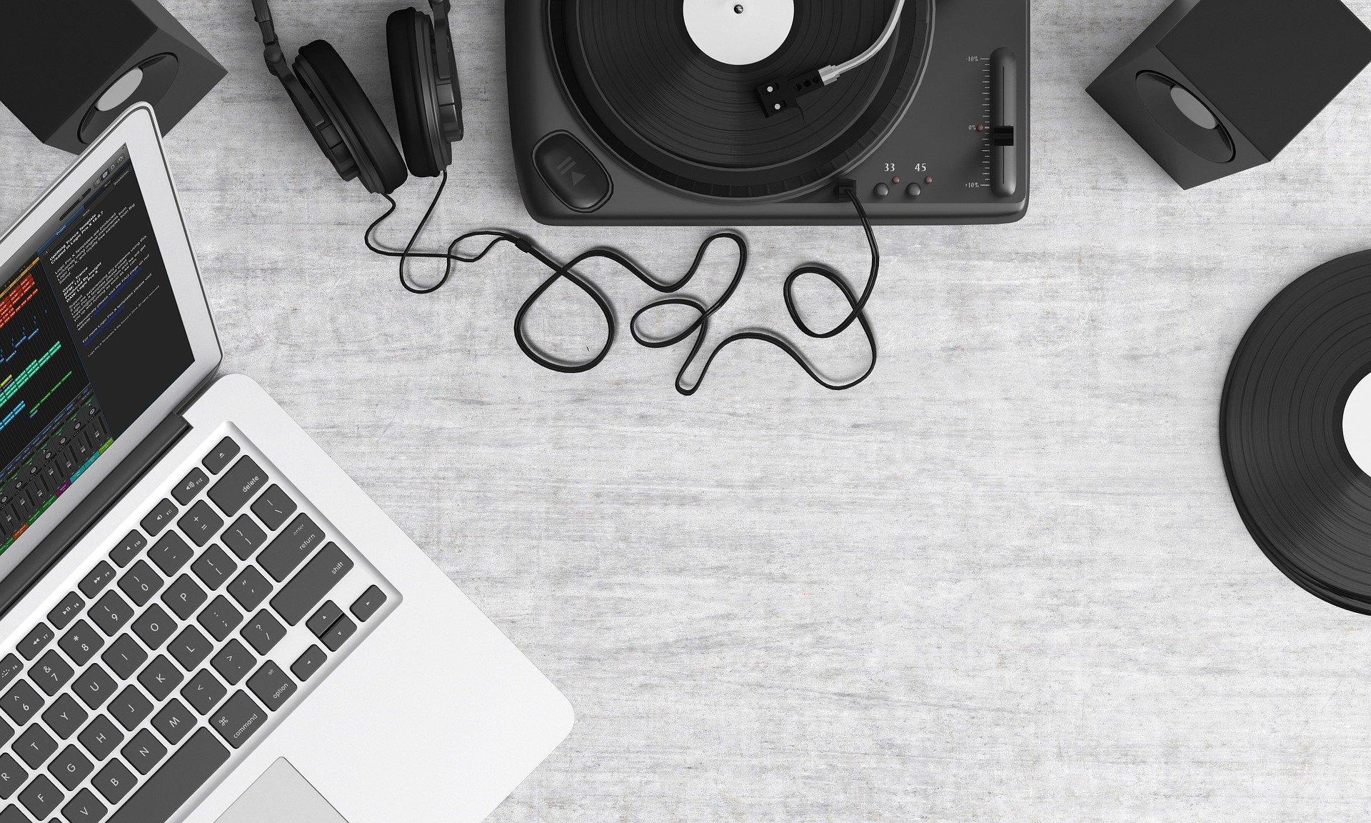 5000 HQ Playlist/Album/Artist Hits from Unique Listeners