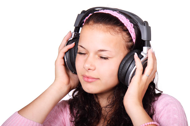 Give you +500 Royalty Free MUSIC for youtube , videos ,websites , podcast ,games