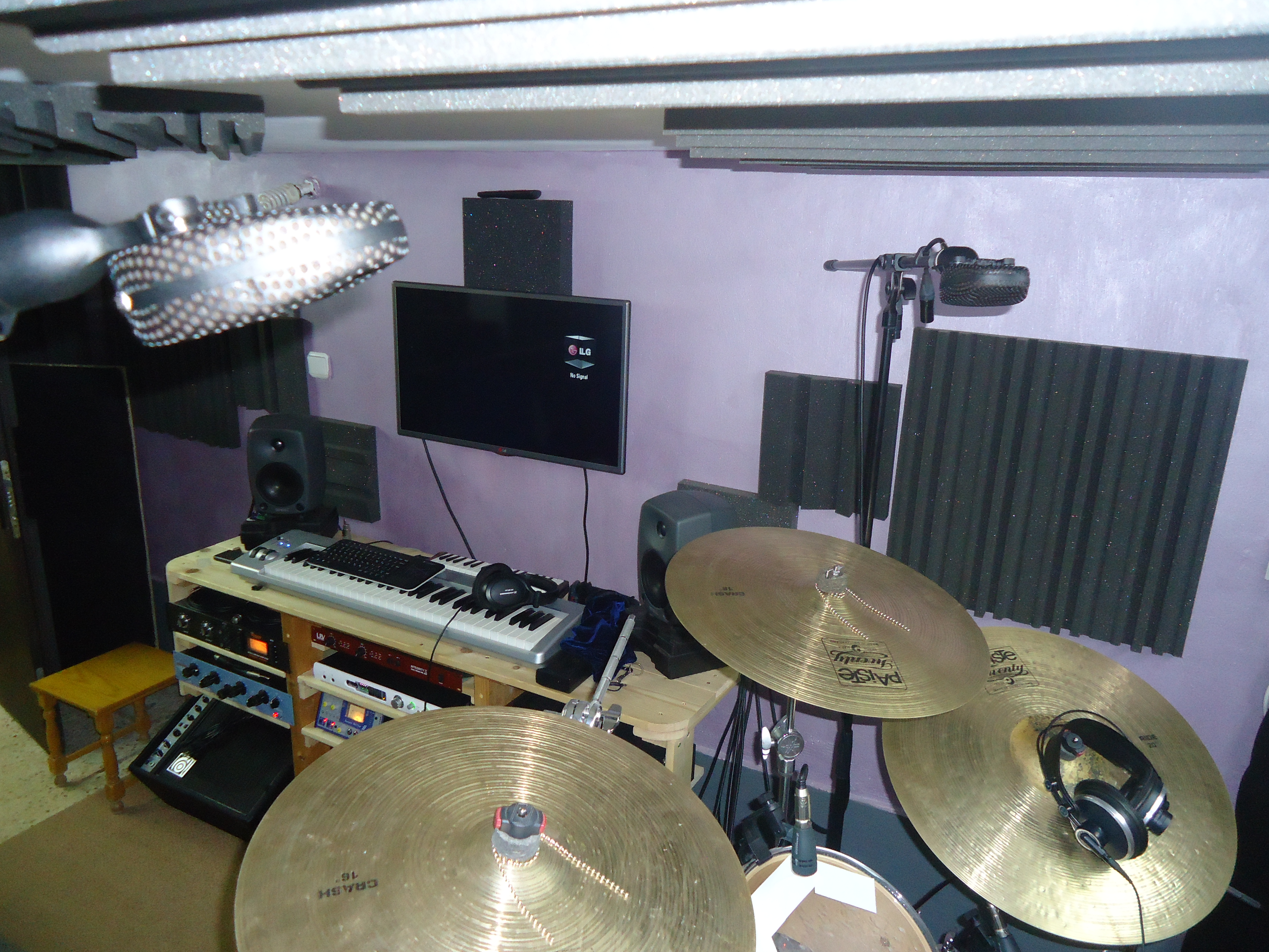 I will record a live acoustic drum tracks for your project