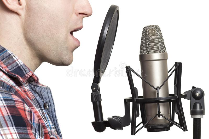 Record Voice Over About 1000 Word With Arabic Voice